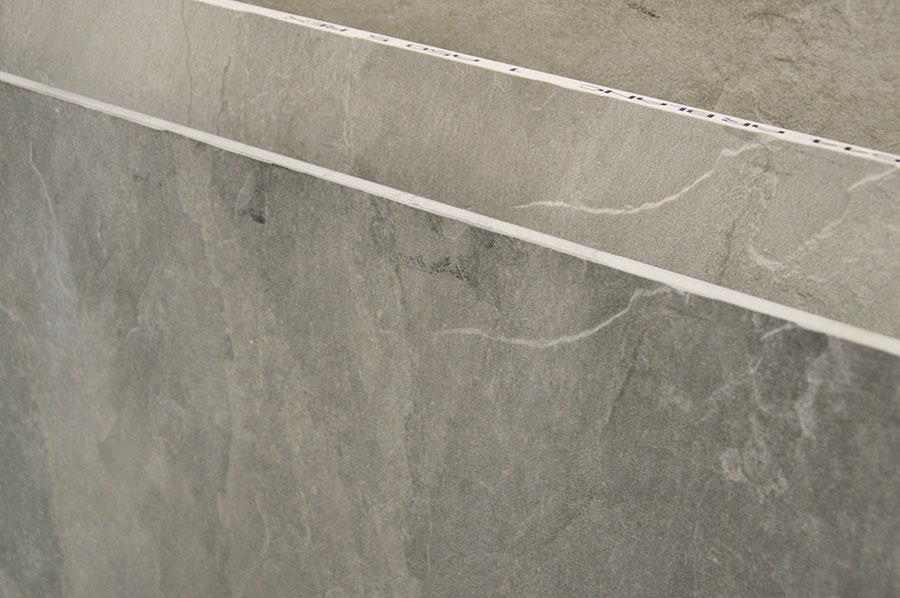 Gres porcellanato effetto pietra naturale casa graziella modena